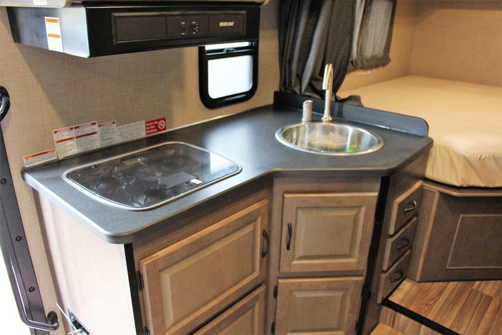 área da cozinha motorhome c25