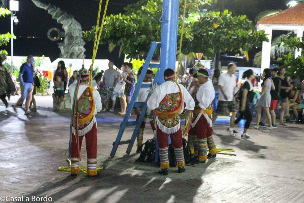 Dança dos Voladores de Papantla apresentação diária